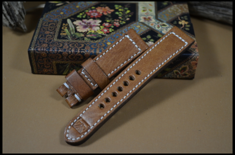 22 DEER HAVANA II 21-20 130-80 MM is one of our hand crafted watch straps. Available in havana color, 5.5 - 6 mm thick.