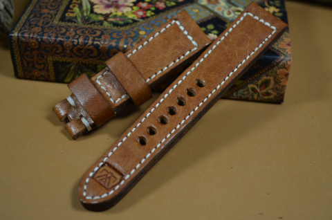 23 DEER HAVANA II 21-20 130-80 MM is one of our hand crafted watch straps. Available in havana color, 5.5 - 6 mm thick.
