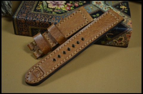 31 DEER HAVANA I 21-20 130-80 MM is one of our hand crafted watch straps. Available in havana color, 5.5 - 6 mm thick.