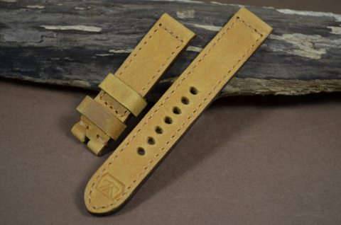 58 YOUNG STEER HAZELNUT 20-20 130-80 MM is one of our hand crafted watch straps. Available in hazelnut color, 4 - 4.5 mm thick.