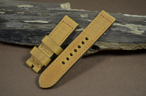 62 YOUNG STEER HAZELNUT 20-20 115-75 MM is one of our hand crafted watch straps. Available in hazelnut color, 4 - 4.5 mm thick.