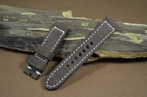 76 NUBUK VINTAGE BROWN I 20-20 115-75 MM is one of our hand crafted watch straps. Available in brown color, 4 - 4.5 mm thick.