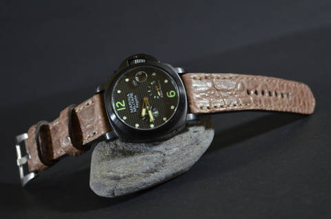 PEANUT - ROUND SCALE is one of our hand crafted watch straps. Available in peanut brown color, 4 - 4.5 mm thick.