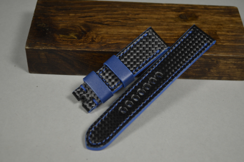 131 CARBON BLUE 22-20 130-80 MM is one of our hand crafted watch straps. Available in blue color, 4 - 4.5 mm thick.
