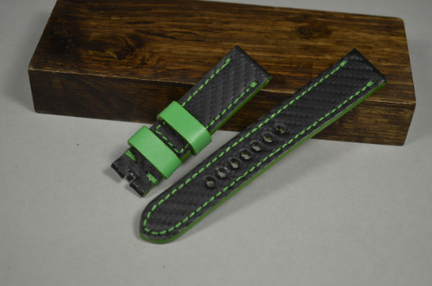 134 CARBON GREEN 22-20 130-80 MM is one of our hand crafted watch straps. Available in green color, 4 - 4.5 mm thick.