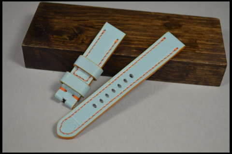 139 GULF BLUE 20-18 130-80 MM is one of our hand crafted watch straps. Available in gulf blue color, 4 - 4.5 mm thick.