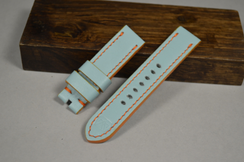 141 GULF BLUE 20-20 115-75 MM is one of our hand crafted watch straps. Available in gulf blue color, 4 - 4.5 mm thick.