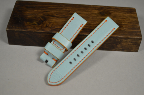 142 GULF BLUE 20-20 115-75 MM is one of our hand crafted watch straps. Available in gulf blue color, 4 - 4.5 mm thick.