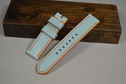 143 GULF BLUE 20-20 115-75 MM is one of our hand crafted watch straps. Available in gulf blue color, 4 - 4.5 mm thick.