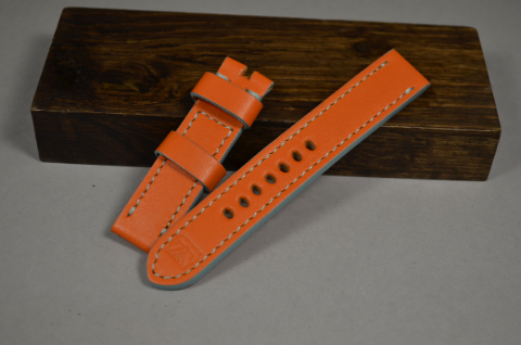 145 GULF ORANGE 20-20 130-80 MM is one of our hand crafted watch straps. Available in gulf orange color, 4 - 4.5 mm thick.