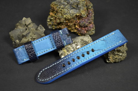 3 LIGHT BLUE 20-20 120-75 MM is one of our hand crafted watch straps. Available in light blue fantasy color, 4 - 4.5 mm thick.