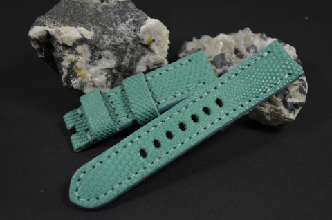 34 TURQUOISE 20-20 115-75 MM is one of our hand crafted watch straps. Available in cream pink color, 4 - 4.5 mm thick.