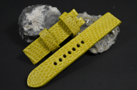 44 YELLOW 20-20-130-80 MM is one of our hand crafted watch straps. Available in yellow color, 4 - 4.5 mm thick.