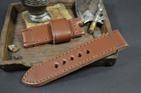 167 PRIMERO BROWN 24-24 115-75 MM is one of our hand crafted watch straps. Available in brown color, 4 - 4.5 mm thick.