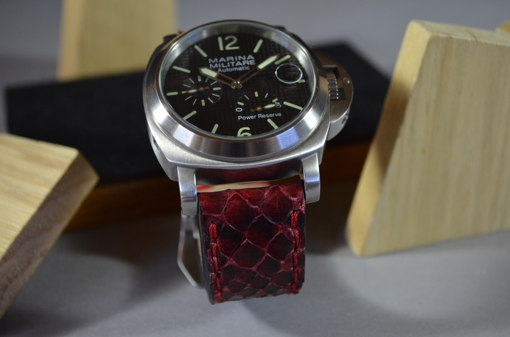 BURGUNDY MATTE is one of our hand crafted watch straps. Available in burgundy color, 4 - 4.5 mm thick.