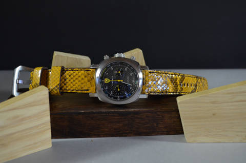 YELLOW SHINY is one of our hand crafted watch straps. Available in yellow color, 4 - 4.5 mm thick.