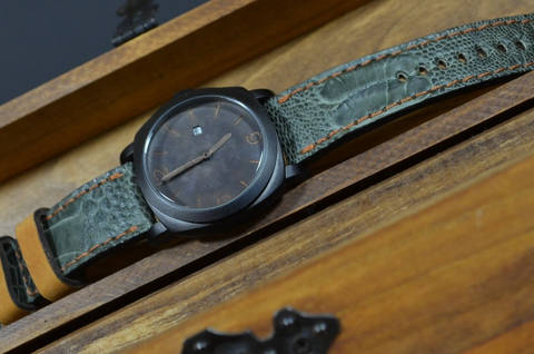 CASUAL GREEN MATTE is one of our hand crafted watch straps. Available in green havana color, 4 - 4.5 mm thick.
