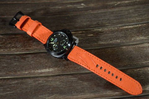 ORANGE MATTE is one of our hand crafted watch straps. Available in orange color, 4 - 4.5 mm thick.