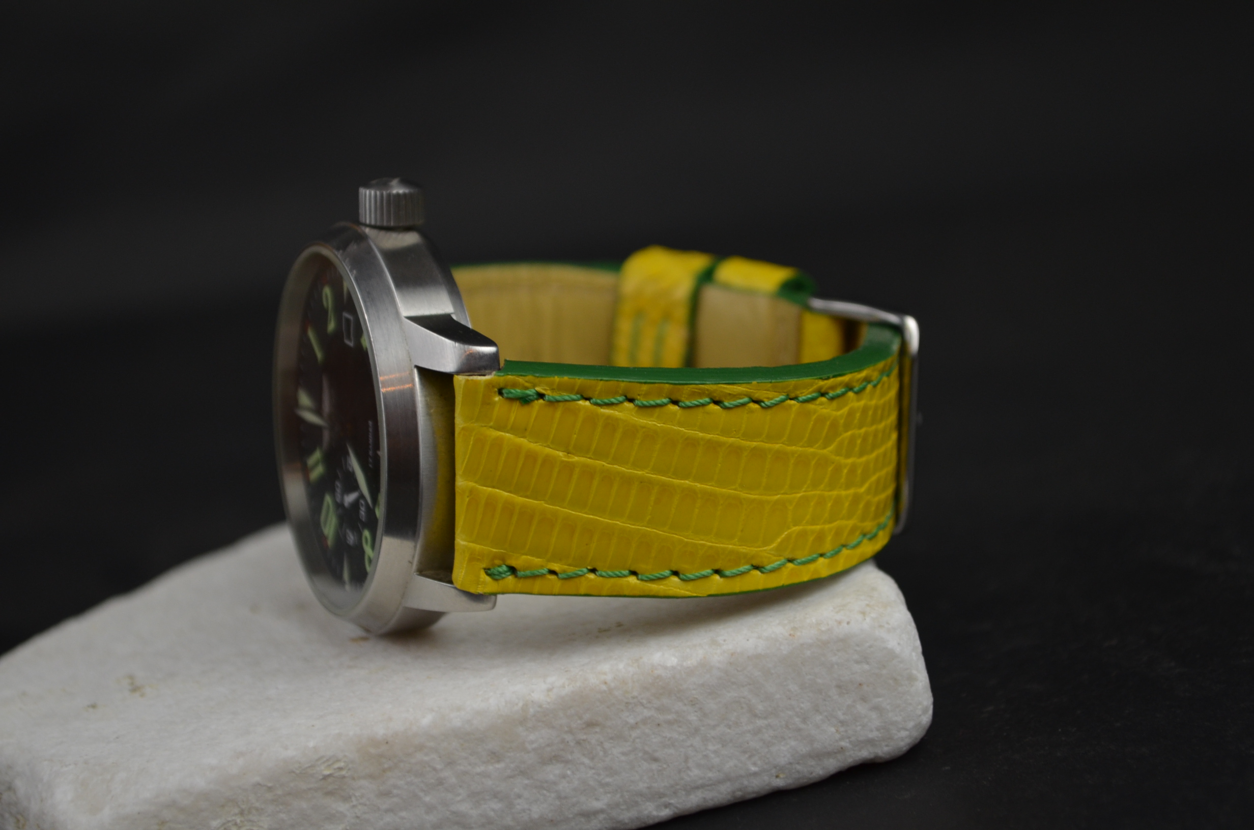BITTER LEMON is one of our hand crafted watch straps. Available in yellow color, 3.5 - 4 mm thick.