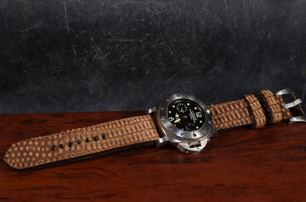 BROWN SPOTT MATTE I is one of our hand crafted watch straps. Available in brown spotted color, 4 - 4.5 mm thick.