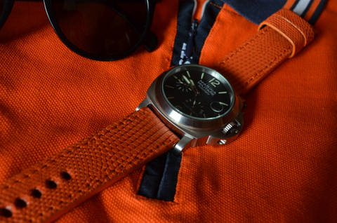 ORANGE MATTE is one of our hand crafted watch straps. Available in orange color, 3.5 - 4 mm thick.
