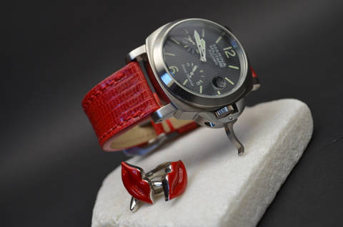 RED SHINY is one of our hand crafted watch straps. Available in red color, 3.5 - 4 mm thick.