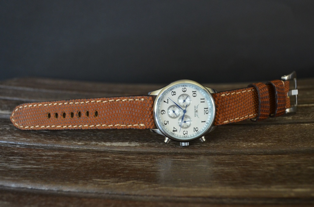 VINTAGE CAMEL MATTE II is one of our hand crafted watch straps. Available in camel color, 4 - 4.5 mm thick.