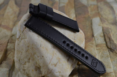 BLACK is one of our hand crafted watch straps. Available in black color, 3.5 - 4 mm thick.