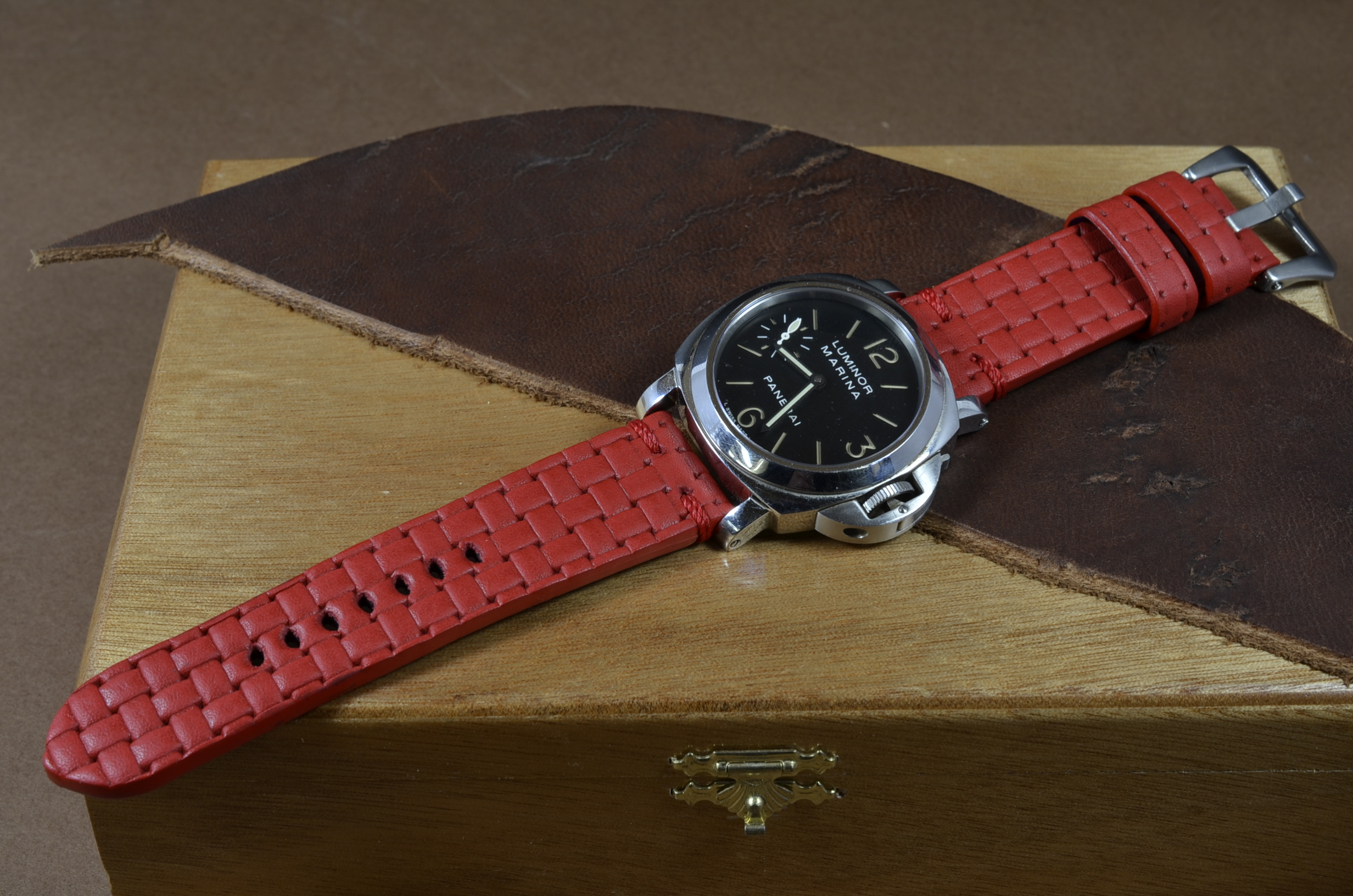 BRAIDY RED I is one of our hand crafted watch straps. Available in red color, 4 - 4.5 mm thick.