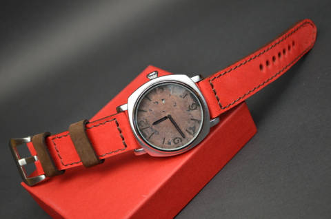 RED BROWN is one of our hand crafted watch straps. Available in red brown color, 3.5 - 4 mm thick.