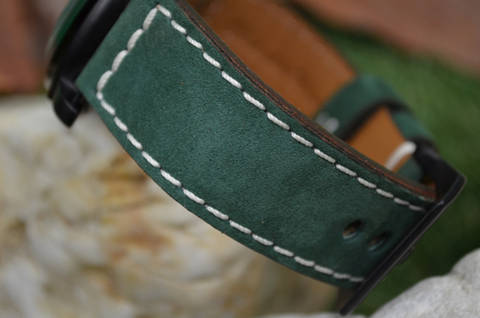 II GREEN is one of our hand crafted watch straps. Available in green color, 3.5 - 4 mm thick.