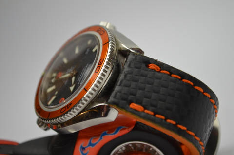 II ORANGE is one of our hand crafted watch straps. Available in orange color, 3.5 - 4 mm thick.