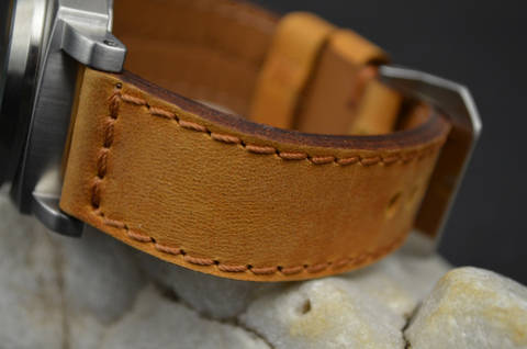 HAZELNUT is one of our hand crafted watch straps. Available in hazelnut color, 3.5 - 4 mm thick.