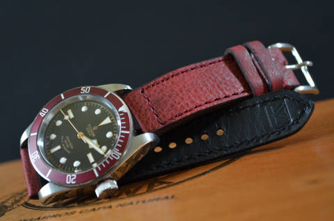 RED I is one of our hand crafted watch straps. Available in red color, 3 - 3.5 mm thick.