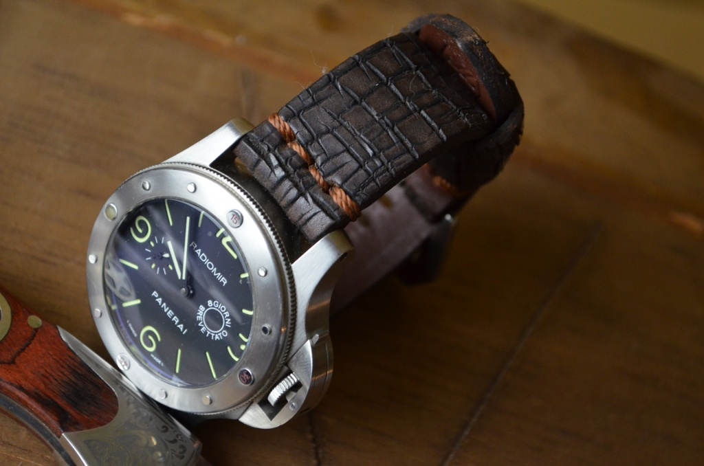 DESTROYER II is one of our hand crafted watch straps. Available in brown color, 4 - 4.5 mm thick.
