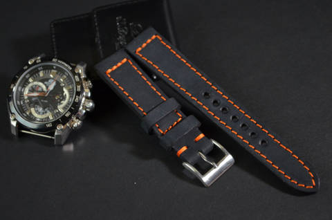 VALENCIA is one of our hand crafted watch straps. Available in black color, 3 - 3.5 mm thick.