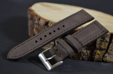 VINTAGE BROWN I is one of our hand crafted watch straps. Available in brown color, 3 - 3.5 mm thick.