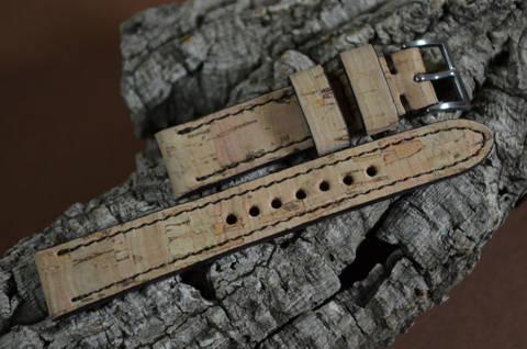 CORK I is one of our hand crafted watch straps. Available in cork color, 3 - 3.5 mm thick.