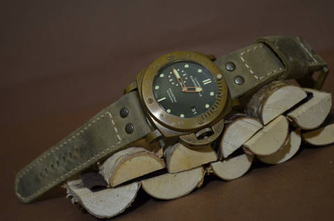 NEW SAVAGE III is one of our hand crafted watch straps. Available in taupe color, 4 - 4.5 mm thick.