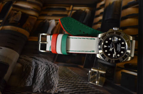 FLAG ITALY is one of our hand crafted watch straps. Available in flag italy color, 3 - 3.5 mm thick.