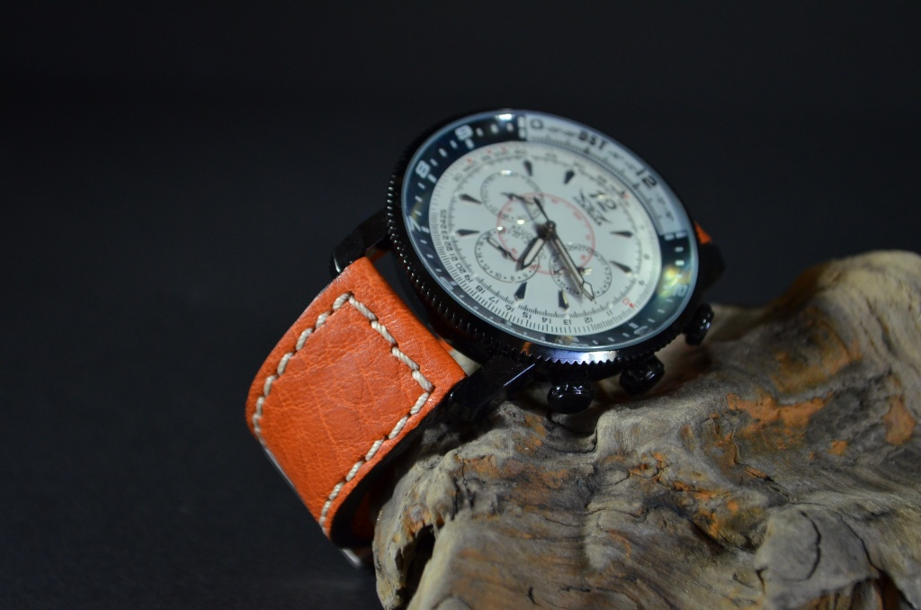 POLPA is one of our hand crafted watch straps. Available in orange color, 3 - 3.5 mm thick.