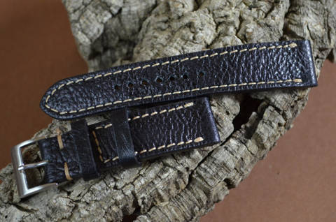 BLACK II is one of our hand crafted watch straps. Available in black color, 3 - 3.5 mm thick.