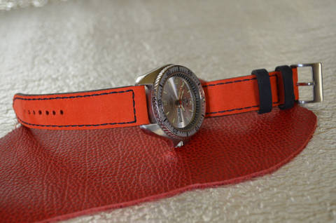 RED BLACK is one of our hand crafted watch straps. Available in red black color, 3 - 3.5 mm thick.