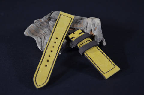 YELLOW BROWN is one of our hand crafted watch straps. Available in yellow brown color, 3 - 3.5 mm thick.