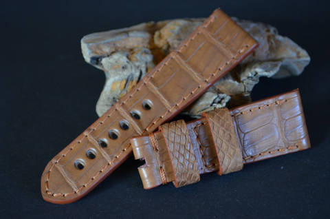 TABAC I 26-22 115-75 MM H is one of our hand crafted watch straps. Available in tabac mat color, 4 - 4.5 mm thick.
