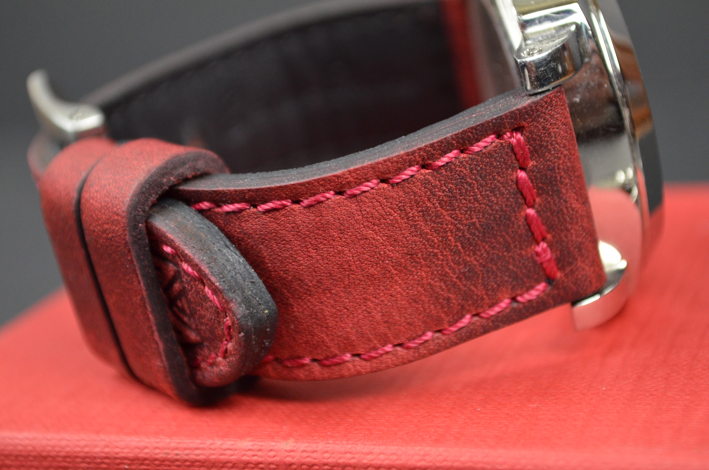 RED I is one of our hand crafted watch straps. Available in red color, 3.5 - 4 mm thick.