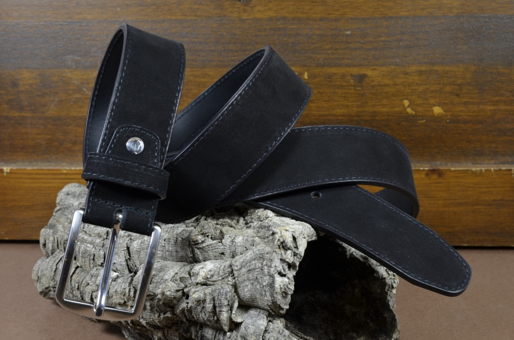 35MM NUBUK BLACK is one of our hand crafted belts, made with exceptional quality calf nubuk leather. Available in black color, 35 mm wide & 4 - 4.5 mm thick.