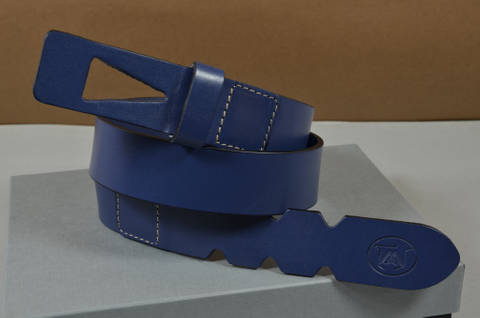 35MM CALF DESIGN ARROW BLUE is one of our hand crafted belts, made with exceptional quality calf saddle leather. Available in blue color, 35 mm wide & 4 - 4.5 mm thick.
