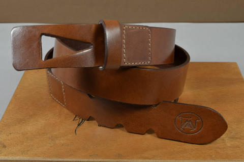 35MM CALF DESIGN ARROW HAVANA is one of our hand crafted belts, made with exceptional quality calf saddle leather. Available in havana color, 35 mm wide & 3.5 - 4 mm thick.