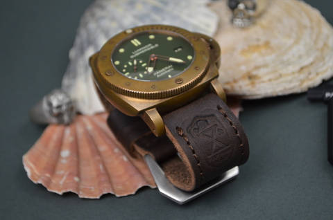 VI is one of our hand crafted watch straps. Available in dark brown color, 4 - 4.5 mm thick.